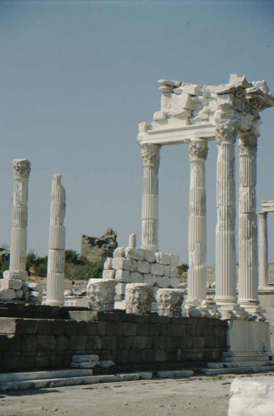 Pergamum, temple, columns