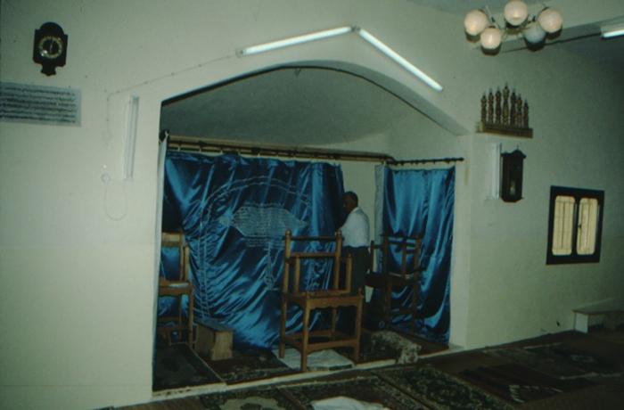 Gerizim, Samaritan mosque, congregation