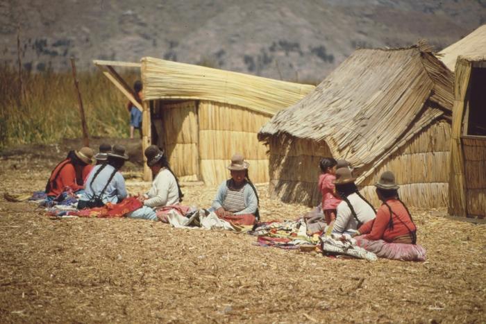 Uru Island, traders, Lake Titicaca, Peru