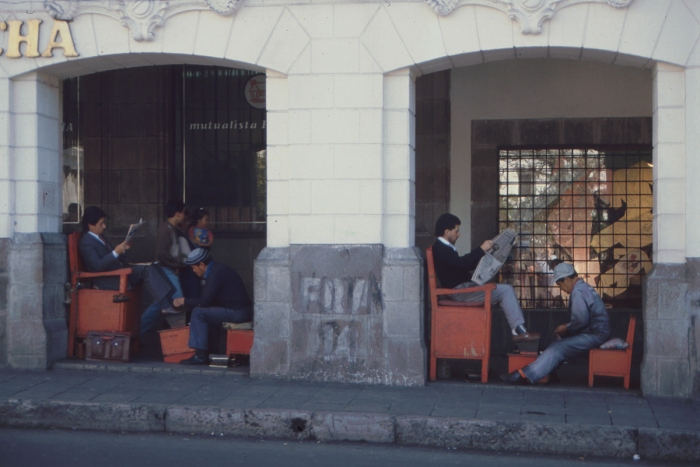 Shoeshine boys, Plaza de la Independencia, Quito, Ecuador, 1989